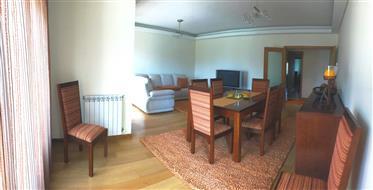 Apartamento Luxo T3   Praia da Barra   188 m²   2 Casas de banho   Garagem fechada.