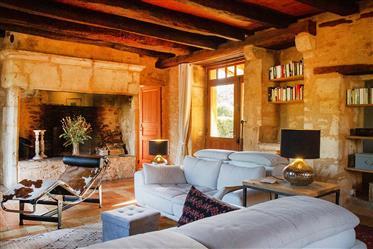 Um celeiro de estilo loft soberba e casa de fazenda tradicional
