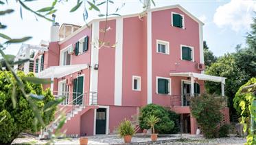 Οικία στο νησί της Κέρκυρας με θέα και κοντά στη θάλασσα