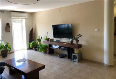 Amazing Penthouse, Bright , 180Sqm, Central location!!!
