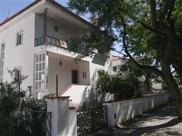 Einfamilienhaus – Av. D. Leonor Fernandes