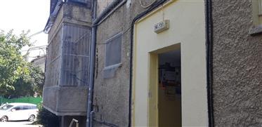 Erstaunliche Wohnung, Prime Lage, Balkon, muss sehen!!!