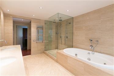 Luxury House In Barcelona