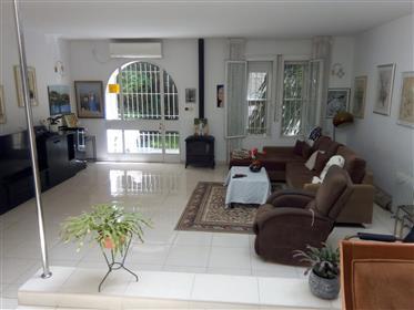 Amazing home, Spacious, 168Sqm, prime location!!!