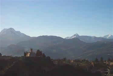 Fastigheter till salu-Barga Toscana Italia