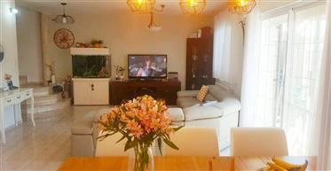 Bright house,300SQM, Master suite 25Sqm, amazing view!!!