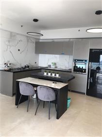 Wunderschön gestaltete neue Wohnung, Hayarkon, Meerblick!!!