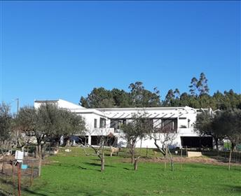 Casa arquitetônica esplêndida