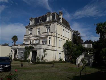 6 Bedroom Mansion for sale