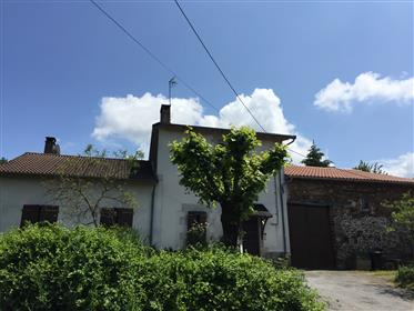 Maison située dans un Hameau
