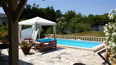 T4 Villa with beautiful pool in quiet mountain and forest area