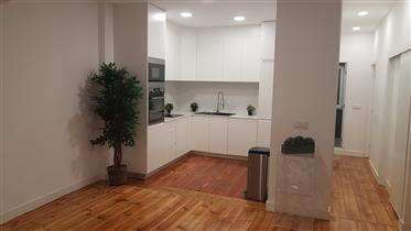 Διαμέρισμα 2 υπνοδωματίων στην καρδιά της Λισαβόνας