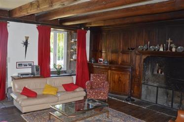 Maison 7 chambres à Farges 15300 Virargues