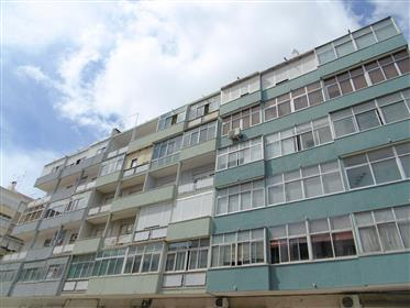 Ανακαινισμένο διαμέρισμα 2 υπνοδωματίων