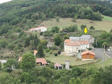 Propriété dans le sud de l'Auvergne