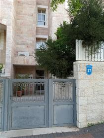 Apartment in Mevasseret Zion, For Sale by Owner