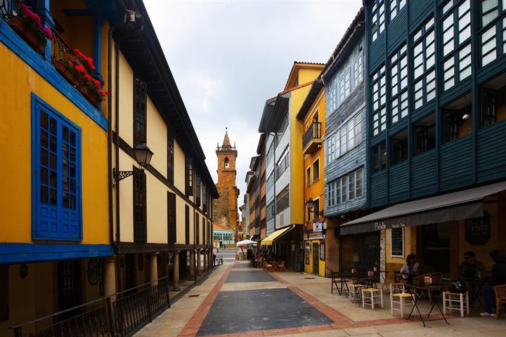 Maisons traditionnelles asturiennes, à Oviedo