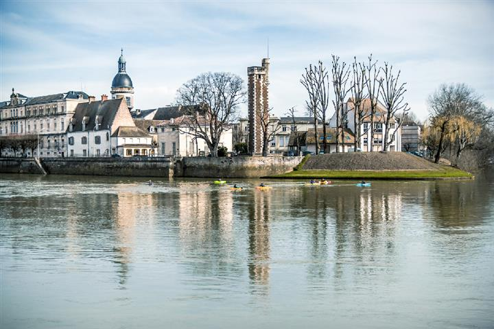 The hospital quay and the Doyenné Tower, Chalon-sur-Saône, France