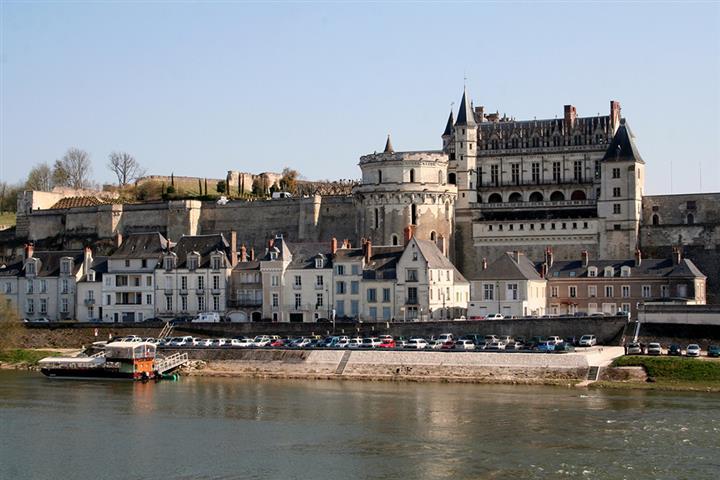 Riverbank at Amboise, Indre-et-Loire