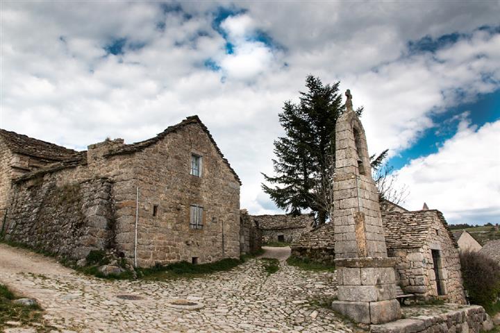 Le clocher de Tourmente de la Fage, Lozère